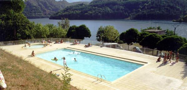 Camping le lac morangies villefort en c vennes for Camping lozere piscine